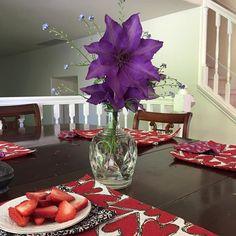 Clematis vine flowers make excellent bouquetes. #garden #boquete