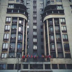 Hotel Ambasador, arh. Arghir Culina.  Source: Bucuresti Realist. Toate drepturile rezervate. Bucharest Romania, Cities, Building, Beautiful, Bucharest, Buildings, City, Construction