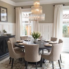 Dining room decor always need a luxurious lamp. Discover more luxurious interior design details at luxxu.net #luxurydiningroom