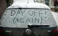 bizarre signs sign funny sign day ocool funny pictures work because ofunny photos snow Snow Pictures, Funny Pictures, Funny Headlines, Top 20 Funniest, Funny Weather, Bizarre Photos, Day Off Work, Let It Snow, Funny Signs