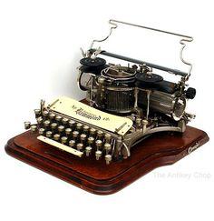 Hammond No.12 Typewriter, from AntikeyChop.com