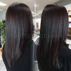 The perfect mixture for this time of year, the darkness for winter with the warmth for fall ❤️ I can't get over it! #redkencolor #redkenobsessed #colorfusion #dimensionalcolor #redhair #brunettehair #fallhair #darkhair #cilantrohairspa #hairbymandeeee #behindthechair #hairbrained #modernsalon