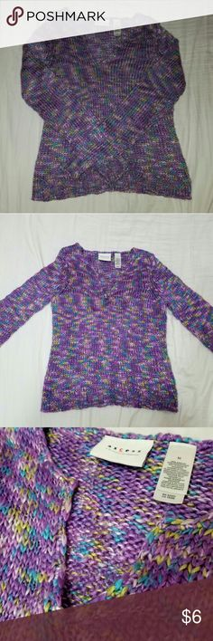 Liz Claiborne Axcess V Neck Knit Sweater No piling or tears  Very good condition  Besutiful colors  V neck line as seen in photograph 3 Axcess Sweaters V-Necks