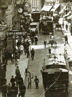 1917 - Rua 15 de Novembro. De 1900 a 1945, onde hoje há o Banco Itaú, havia a galeria Webendoerf, conhecida como Galeria de Cristal. Seu construtor foi o alemão Cristiano Webendoerf. A Galeria de Cristal, fundada em fevereiro de 1900, tinha quinze metros de altura, 72 de comprimento e cinco de largura, ampliando-se ao centro num octógono. Por causa dela, Cristiano, logo depois, abriu falência. Bem na entrada da galeria, começou a operar, quase junto com ela, o lendário Café Guarany.