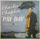 CINE(EDU)-736(2). Día de paga. Dir. Charles Chaplin. EEUU, 1922. Comedia. Charlot traballa de peón. Cando chega tarde, regálalle ao capataz un lirio branco para que o perdoe, pero é tan lento no seu traballo que o capataz o traslada á sección de albanelaría, onde traballa tan á présa que os compañeiros non poden seguilo. Cando a filla do capataz aparece, Charlot perde a cabeza... http://kmelot.biblioteca.udc.es/record=b1510753~S1*gag