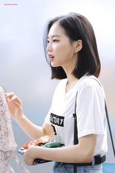 clc network — less than three ♡ do not edit Kpop Short Hair, Asian Short Hair, Girl Short Hair, Short Hair Korean Style, Korean Medium Hair, Korean Short Haircut, Ulzzang Short Hair, Medium Hair Cuts, Short Hair Cuts