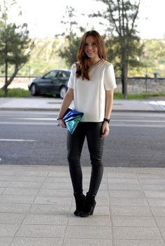 #zara #volume #shirt #white #glamour #style #streetstyle #girly #look #myarmyofclothes #fashion #fashionweek #leatherpants #metalic #clutch #green #camelcoat http://myarmyofclothes.blogspot.com.es
