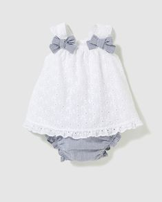"""38 Ideas Se - Diy Crafts Diy Crafts - Sewing Baby Girl Gifts Kids 38 Ideas sewing gifts baby """"Sewing Baby Girl Gifts Kids 38 Ideas Source by Baby Dress Design, Baby Girl Dress Patterns, Little Girl Dresses, Baby Dresses, Baby Girl White Dress, Dress Girl, Baby Frocks Designs, Trendy Baby Clothes, Kids Frocks"""