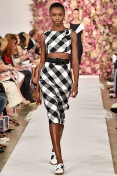 Sfilate Oscar de la Renta - Collezioni Primavera Estate 2015 - Collezione - Vanity Fair. Gingham. Vichy. Top and skirt.