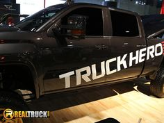 https://flic.kr/p/ALXAgu | RealTruck at SEMA 2015 | The RealTruck crew at SEMA 2015.