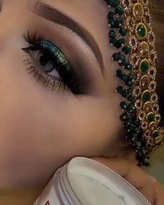 Bride Eye Makeup, Makeup Eye Looks, Bridal Makeup, Beauty Makeup, Indian Wedding Makeup, Eyebrow Makeup, Eyeshadow Makeup, How To Wear Makeup, Makeup Face Charts