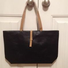 I just discovered this while shopping on Poshmark: NWT black handbag. Check it out!  Size: OS