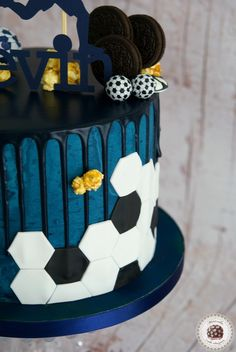 Soccer Birthday Cakes, Birthday Cake For Mom, Soccer Cakes, Oreos, Barcelona Cake, Cake Design For Men, Sport Cakes, Mom Cake, Easy Cake Decorating