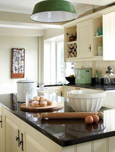 Eine glatte und robuste Oberfläche, die geruchsneutral ist, entspricht sogar den lebensmittelrechtlichen Anforderungen.   http://www.naturstein-profi.com/granit-arbeitsplatten-innovative-granit-arbeitsplatten