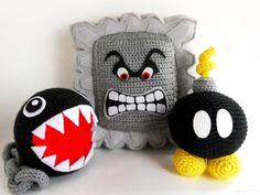 Chain Chomp, Thwomp, Bob-Omb crochet - Inspire Your Inner Geek: wish i knew how Crochet Mario, Crochet Geek, Crochet Diy, Crochet Amigurumi, Amigurumi Patterns, Crochet Dolls, Crochet Patterns, Crochet Hats, Floral Patterns
