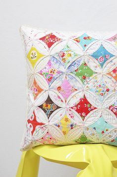 Cathedral Window Cushion 4                                                                                                                                                      Mehr