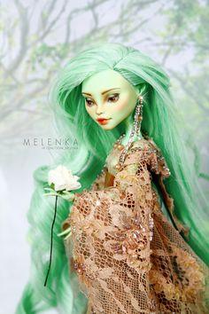 #Melenka #ooak #MonsterHigh #repaint #custom #doll #venus #green #goddess #elf #fantasy #tree #wood #forest