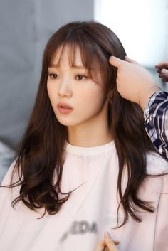 Lee Sung Kyung / South Korean Actor / So beautiful Lee Sung Kyung Hair, Lee Sung Kyung Doctors, Lee Sung Kyung Fashion, Nam Joo Hyuk Lee Sung Kyung, Han Hyo Joo, Korean Actresses, Korean Actors, Lee Sung Kyung Wallpaper, Weightlifting Fairy Kim Bok Joo Wallpapers