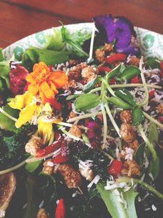 Raw superfood salad