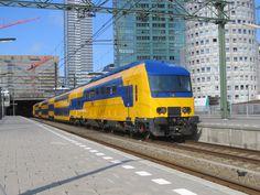 upload.wikimedia.org wikipedia commons c c0 NID_te_Den_Haag_Centraal.jpg