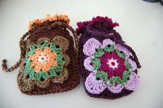 An old-fashioned crocheted purse for a trendy iPod or Blackberry