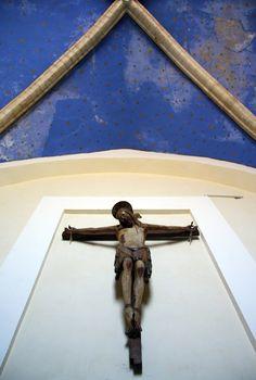 crocifisso ligneo del '300,chiesa di san Francesco d'Assisi