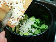 Bread-and-Butter-Pickles, add the onions. Bread N Butter Pickle Recipe, Bread & Butter Pickles, Cucumbers And Onions, Pickling Cucumbers, Pickled Brussel Sprouts, Home Canning Recipes, Pickles Recipe, Sweet Pickles