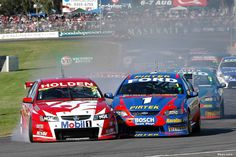 Holden and Ford fighting it out. Australian V8 Supercars, Australian Cars, V8 Cars, Race Cars, Ford V8, Maserati, Cars Motorcycles, Muscle Cars, Touring