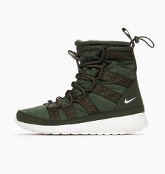 Nike Wmns Rosherun Hi Sneakerboot