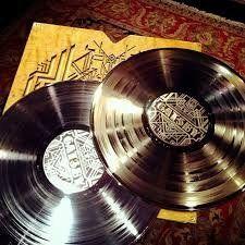 The Great Gatsby Gold & Platinum Limited Edition Metallized Record Set, http://www.amazon.com/dp/B00EHK9V0Y/ref=cm_sw_r_pi_awdm_br7fvb0BZZ9ZH