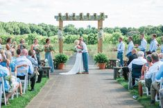 Chaska Wedding Venue. Minnesota Wedding Venue. Outdoor wedding venues in Minnesota. Rustic wedding venues in MN. Wedding Ceremony.  #mnweddingvenue #mnwedding  Photographer: Mallory Jo Photography | Venue: The Outpost Center
