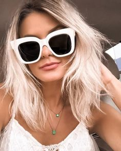 Aquele óculos branco que você respeita! A linda @maridalla arrasou no Céline!  #oticaswanny #maridalla #celine #oculosbranco