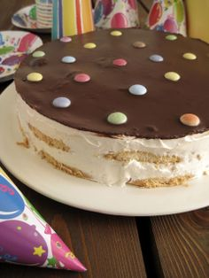 The one with all the tastes:The easiest Birthday Cake ever. No Cook Desserts, Delicious Desserts, Dessert Recipes, Dessert Ideas, Pastry Recipes, Cooking Recipes, Different Cakes, Greek Recipes, Cupcake Cookies