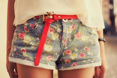 floral shorts..i want a pait for summer