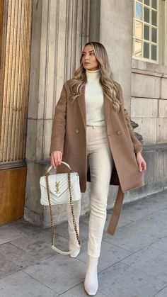 Classy Winter Outfits, Casual Work Outfits, Winter Outfits Women, Professional Outfits, Winter Fashion Outfits, Mode Outfits, Stylish Outfits, Winter Fashion Women, Classic Fashion Outfits