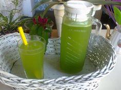 Aprenda a preparar a receita de Suco de erva-cidreira (capim cidreira)