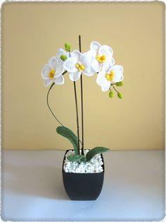 Ravelry: Phalaenopsis Orchid pattern by CreativityClaudia Crochet Flower Patterns, Crochet Flowers, Nylon Flowers, Macrame Wall Hanging Patterns, Phalaenopsis Orchid, Crochet World, Flower Decorations, Crochet Projects, Free Crochet