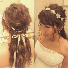 リボンカチューシャごと編み込んだローポニースタイル いつものつけ方と一味違うオシャレな雰囲気に バックスタイルもかわいいですね! #hawaii#hairmake#hairarrange#makeup#weddinghair#hawaiihairmake#weddingphoto#photoshooting#TerraceByTheSea#TheTerraceByTheSea#53ByTheSea#TAKAMIBRIDAL#テラスバイザシー#タカミブライダル#ハワイウェディング#ハワイヘアメイク#ウェディングヘア#ヘアメイク#ヘアスタイル#ヘアセット#ヘアアレンジ#花嫁#プレ花嫁#オシャレ花嫁#ウェディング#美容師#リボンカチューシャ#ビジュー#波ウェーブ