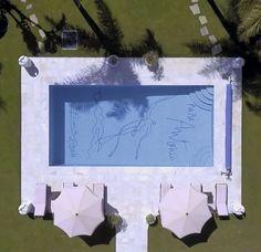 """Architectural Digest España on Instagram: """"En Marbella solo hay una casa con un Picasso  en el fondo de la piscina. Es la villa El Martinete construida por Antonio Ruiz Soler,…"""""""