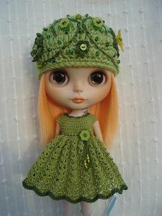 Crochet Hat Pattern For Blythe : Crochet doll clothes on Pinterest Crochet Dolls ...