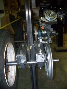 Chainsaw Mill Plans, Homemade Bandsaw Mill, Garage Tools, Pulley, Woodworking Tips, Espresso Machine, Band Saws, How To Plan, Dark
