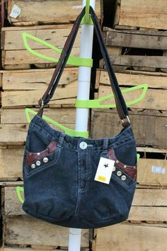 Really cute bag. It comes for ur jeans too... So? Wht do you think?