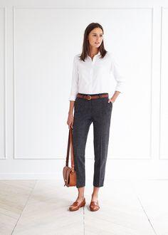 Cinta borsa e scarpe dello stesso colore. I pantaloni a sigaretta mi ricordano Audrey!