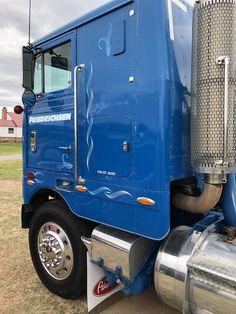 Big Rig Trucks, Semi Trucks, Cool Old Cars, Cab Over, Peterbilt Trucks, Motor Company, Classic Trucks, Big Boys, Trailers