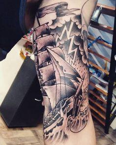 Tattoo para el Merloto! Gracias por el aguante que te da esa cremita y por los biscochos que nos traes para la merienda jaja #alemerlostattoo #timetattoostudio #fragata #tattoo #traditattoo #blackandwitetattoo #instagood #barcotattoo #tattoo #tatuajes #tatuandoadosmanos #tatuandolavida #inktattoo #dynamictattooink #neotraditionaltattoo #tatuateydejatedejoder TIME TATTOO en Olavarría 2831 casi Garay