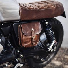 Cafe racer seat brown leather