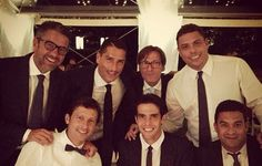 The celebration of Leonardo's wedding (the brazilian is a former football player, former coach of Milan and former director of Paris Saint Germain) brought together leading figures of the footballing world. Among the guests there was Kaká, who posted on his social network a photo next to Serginho, Alessandro Costacurta, Marco Borrielo, Ermínio and Ronaldo Nazário