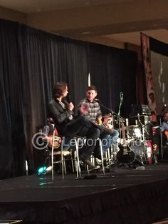 """@LegionofSand: One of Jareds favorite sets was the dragon episode. #PhxCon "" love their props to crew #SPNFamily"