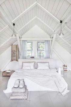 attic-bedroom-designs-33