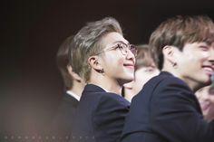 181024 BTS at the 2018 Korean Popular Culture & Arts Awards Namjoon, Rapmon, Kim Taehyung, Jimin, Culture Art, Pop Culture, All Bts Members, Arts Award, Bts Lockscreen